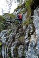 Denn kaum gings mal verhältnismäßig gering steil eine Felswand quer nach oben ...