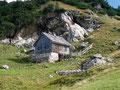 In traumhafter Landschaft eingebettet lagen die Hütten der Vorderen Sarsteinalm. Immer wieder einen Ausflug wert!
