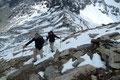 """Und dann waren wir auch schon mittendrinn. Der Schnee hatte sich in den sowieso schon spärlichen Aufstiegspfad gelegt und eine dementsprechende """"Rutschpartie"""" war es dann auch."""