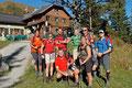 Nach einer kurzen Rastpause und einem Fotoshooting bei der Hütte hieß es: Auf geht's zur Königstour der Rottenmanner Tauern!