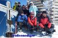 """… Gipfelkreuz des beliebten österreichischen """"Seven Summits"""" Gipfel. Das Erinnerungsfoto fürs Gipfelalbum ist auf einem solch hohen Gipfel einfach Pflicht."""