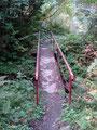 … wir über ein kleines Brücklein den Lasitzenbach querten und  …