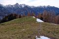… verschwanden hinter dem Mugel und folgten dem Steig über den Bärenriegel talwärts.