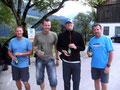 """Zu guter Letzt, auch wenn wir schon etwas abgekämpft aussehen, ein gemeinsames Foto von den Teilnehmern der diesjährigen """"Totes Gebirge Tour"""". Berg Frei bis nächstes Jahr wenns wieder heißt: Ab in die Berge! Liebe Grüße Roni, Rudi, Andi u. Tom"""