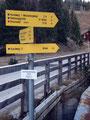 Auf  Sabine's Empfehlung waren wir heute auf der Postalm unterwegs. Unser Ziel war der 1894m hohe Braunedelkogel, die höchste Erhebung rund um die Postalm. Beim Parkplatz 1 startete diese Tour. Ein kurzes Stück zurück zur Schnitzhofbrücke.