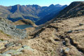 Nun führte mich der Steig weiter talwärts zum Oberen Kaltenbachsee. Zuerst konnte ich ihn noch von oben betrachten, …