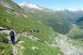 """Der Abstieg gestalte sich als äußerst zügig. Nicht wie beim Aufstieg über den """"Gletscherweg"""", sondern über den vermeintlich etwas kürzeren 902er Steig wanderten wir in Eilzugstempo hinab…"""