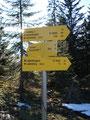 Der nächste Wegweiser auf meinem Rundgang deutet Richtung Labenbergalm (20 Min.).