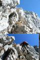 Gleich unmittelbar hinter dem Felstor führt die Route links wiederum eine steile Felsstufe empor.