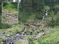 """Gott sei Dank, das """"Latschen-Wirrwarr"""" hatte ein Ende und ich erreichte einen kleinen idyllischen Wasserfall, den ich am unteren Ende überquerte und …"""