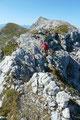 Für einen erfahrenen Bergwanderer sollten solch kurze seilversicherten Schlüsselstellen wirklich kein größeres Problem darstellen.