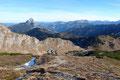 … unsere Wandertruppe in weiteren moderat ansteigenden Kehren zum Gipfeldach des Leobners folgte.