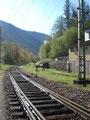 ... und folgten ein kurzes Stück den Geleisen bis zu einem Bahnübergang an dem wir übersetzen konnten.