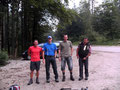 """Werte Bergfreunde. Darf ich vorstellen. Das Team der """"Totes Gebirge"""" Überschreitung 2010. Von links nach rechts. Andi, Roni, Tom und Rudi."""