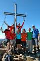 Um exakt 14.33 Uhr war schlussendlich der letzte Gipfel der heutigen Rundtour erobert. Aber auch ein Hobbyfotograf war schnellstens bestimmt, der uns Gipfelstürmer auf Bild verewigte.
