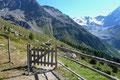 Kurzerhand huschte ich am gegenüberliegenden Ende der Bergstation durch das Gatterl, …
