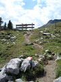 Nun wanderten wir auf dem Geo-Erlebnisweg zum Bergrestaurant zurück, wo wir natürlich unsere heutige Tour gemütlich ausklingen lassen werden.