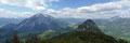 Der Prachtvolle Rundumblick zum Grimming und Gwendlingstein entschädigte wahrlich jede einzelne Schweißperle. Obendrein verfeinerte das famose Wolkenspiel das Panorama.