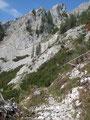 Wir jedoch wanderten weiter das Bergmassiv hinab ...