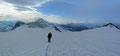 Selbst hinter uns traten nun das Rainerhorn und das Hohe Aderl aus dem Nebel hervor. Sogar blauer Himmel kam zum Vorschein.