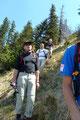 Kurz nach Mittag machten wir uns dann wieder an den Abstieg. Zurück zur Weggabelung und links hinunter dem Wandersteig folgend zur Genneralm.