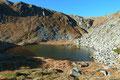 Hinter der Scharte war dann auch die Lacke des Oberen Kaltenbachsees versteckt.