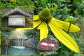 … mit leuchtenden Blumengärten, deutlichen Wegmarkierungen und liebevoll gestalteten Marterln neben dem rauschendem Kienbach unter schattigem  Blätterdach …