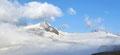 """Schon jetzt lies das """"ewige Eis"""" samt den aufragenden Gipfelzielen rundum der Hütte auf ein beeindruckendes Tourengebiet schließen."""