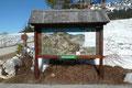 """Mit """"Herzlich Willkommen in Pürgg – Trautenfels"""" begrüßte uns die hiesige Infotafel des Tourismusverbandes. Natürlich hatte ich eine Karte im Gepäck, trotz allem verfolgte ich unseren Routenverlauf nochmals auf der Tafel."""