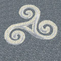 Zeichen Keltisch Triskel aus farbigem Splitt - keltisches Symbol