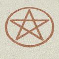 Pentagramm auf carrara Marmor Splitt