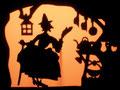 Then he meets a witch who puts him up for the night/....jusqu' à ce qu'il rencontre une sorcière qui l'héberge.
