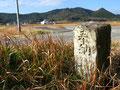 坂本町の道標(4)、後方が一乗寺方面