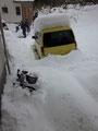 玄関を開けると雪国だった。