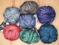 Schoppel Wolle Jeans Ball - 4-fach Sockengarn, verwaschene Kolorits im Jeans Look, 75% Schurwolle (superwash) und 25% Polyamid, Lauflänge 420m/100g, Schonwaschgang bis 40°