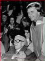 Emil grüsst Chaplin im Circus Knie