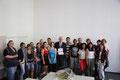 Egon Jüttner mit Schülerinnen und Schülern des Wirtschaftsgymnasiums der Friedrich-List-Schule in Mannheim und Lehrerin Margarete Grundmann