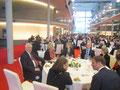 deutsche und französische Abgeordnete beim gemeinsamen Mittagessen anlässlich des 50-jährigen Jubiläums der Unterzeichnung des Elysée-Vertrags im Paul-Löbe-Haus des Deutschen Bundestages in Berlin