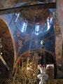 im inneren eines klosters