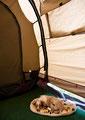 Siesta im Zelt