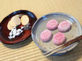 牡丹の主菓子と京都の末富のおせんべい