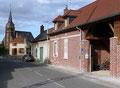 Chambres d'hôtes Les Noisetiers : La façade avant rue Théophile Déprez
