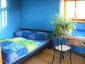 ALTE BUX Zotzenbach, blaues 3-Bett-Zimmer