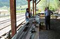 Den Besuchern wird der Zugbetrieb der Vinschgerbahn vorgeführt