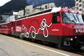 Moderner Zug der Albulabahn