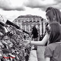 Looking the padlocks of love - Pont neuf & Samaritane - Paris