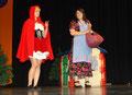 Selina als Rotkäppchen, Sabrina als Mutter