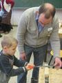 Technik-Lehrer Jochen Geeck beim Schnupperunterricht