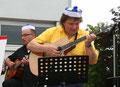 Hendrik Becker und Werner König an den Gitarren