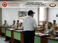 El Prof. Moniz impartiendo instrucción.